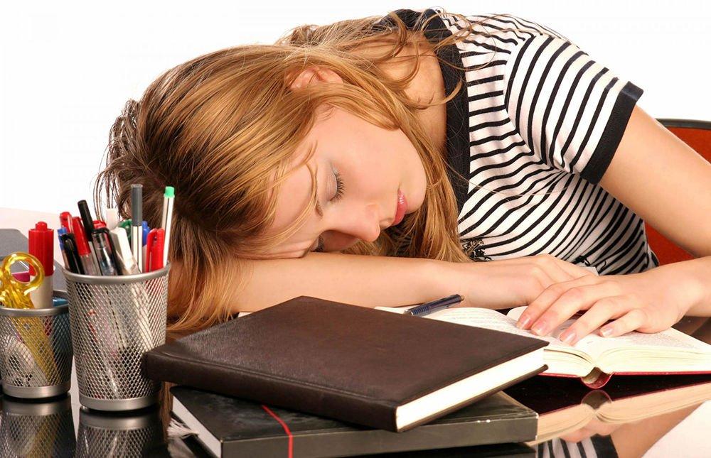 Частые недосыпания и переутомления