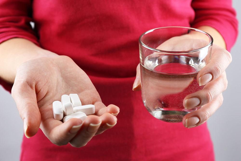 Болит горло от желудка чем лечить