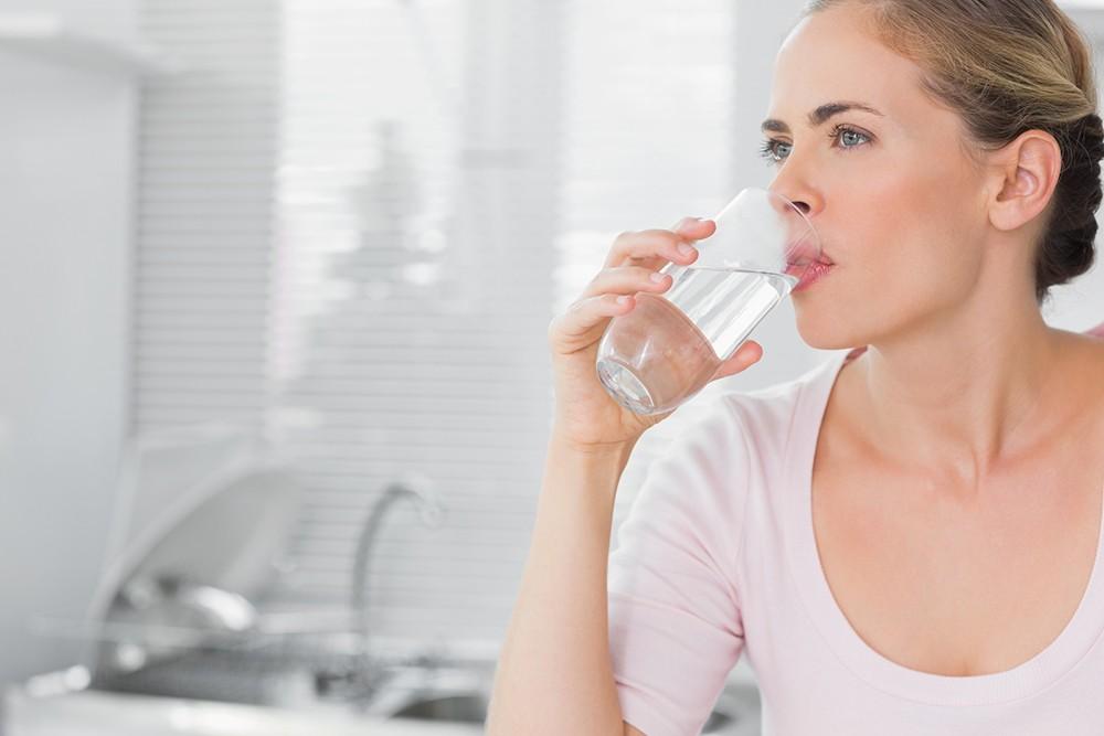 Пить минеральную воду