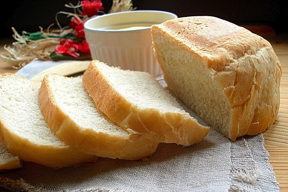 Чёрствый белый хлеб