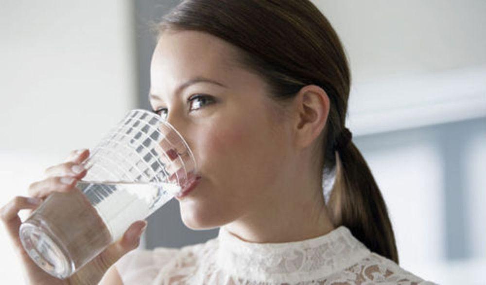 Пить небольшими глотками