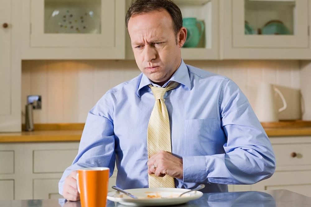 Возникновение приступов тошноты после приёма пищи